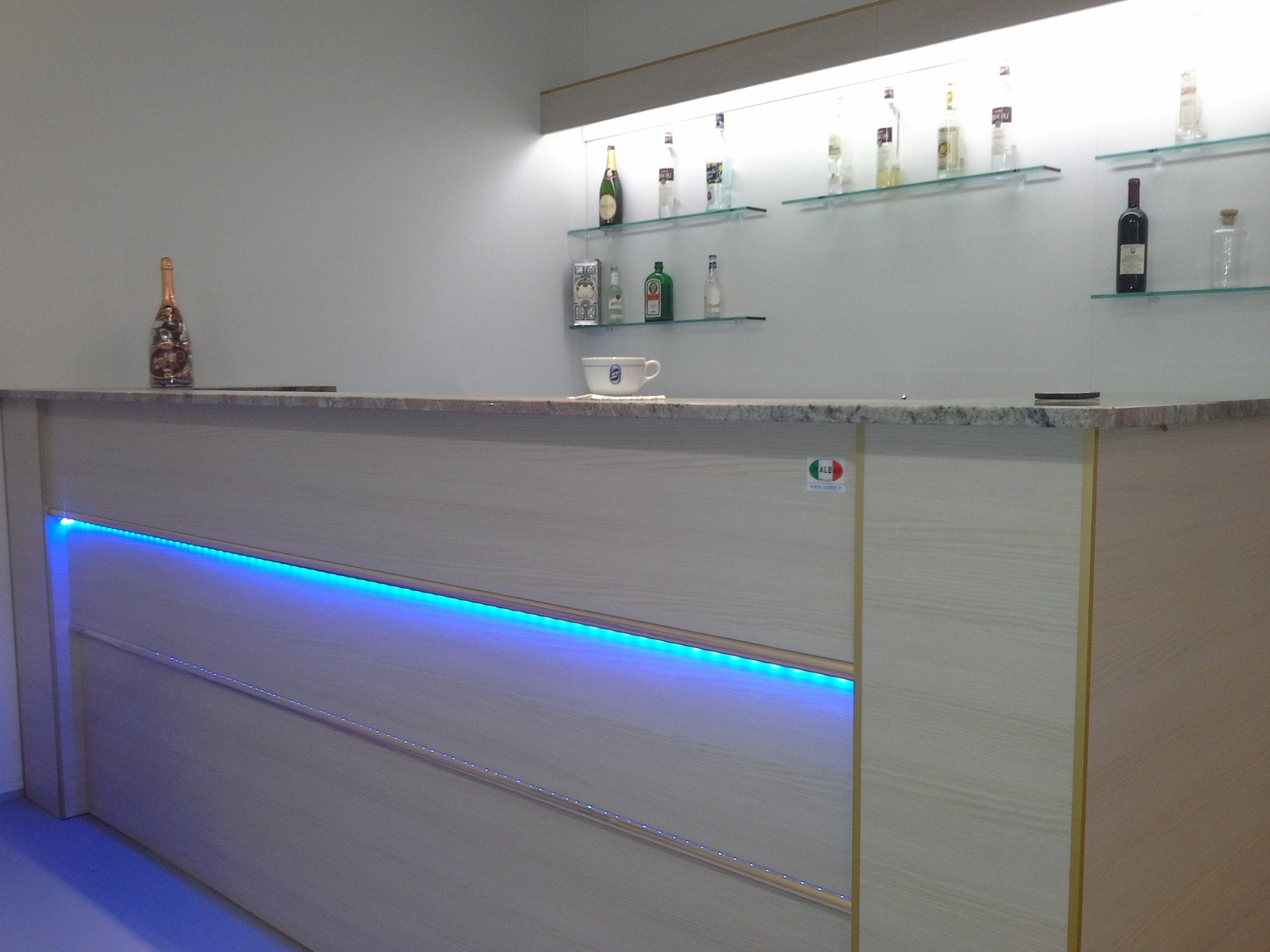 Best banco bar prezzi gallery for Bancone reception ikea