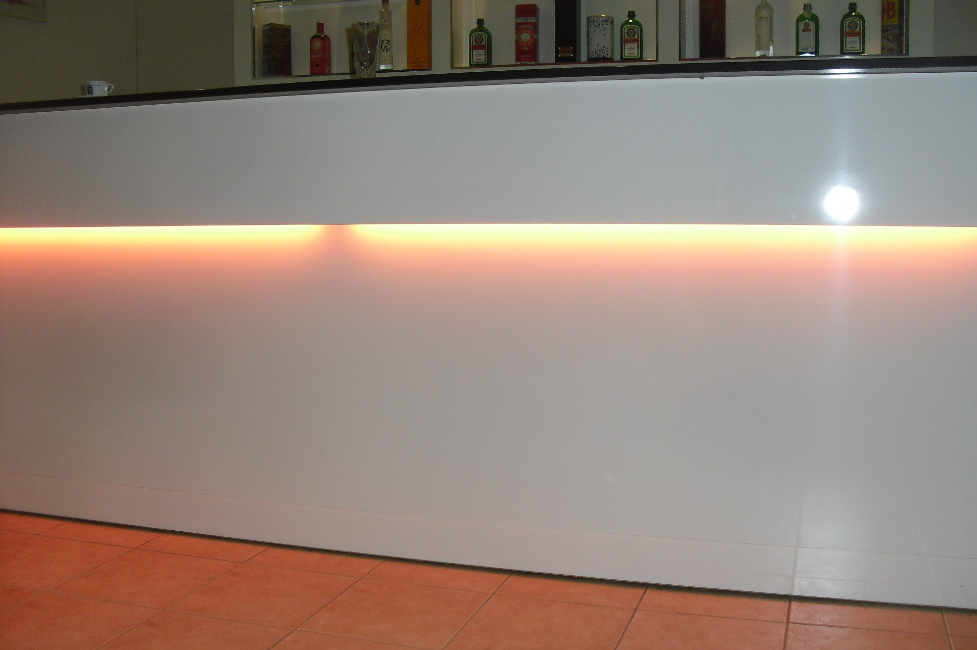 Puff contenitore capitonne prezzi bassi for Banco bar moderno